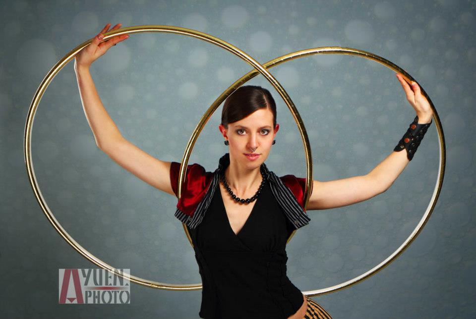 hula-hoo-act-02